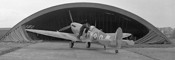 611sqdn-spitfire9-fyo.jpg